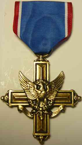 768-3 - US-Army Distinguished Service Cross (Medal)